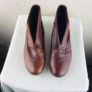 Wonders women's brown boots partial side zip